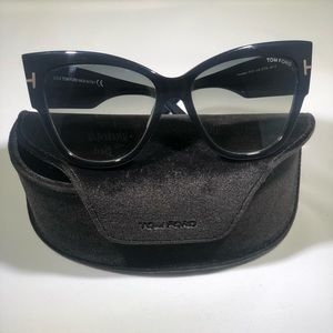 Tom Ford Black Cat Eye Sunglasses - Anoushka